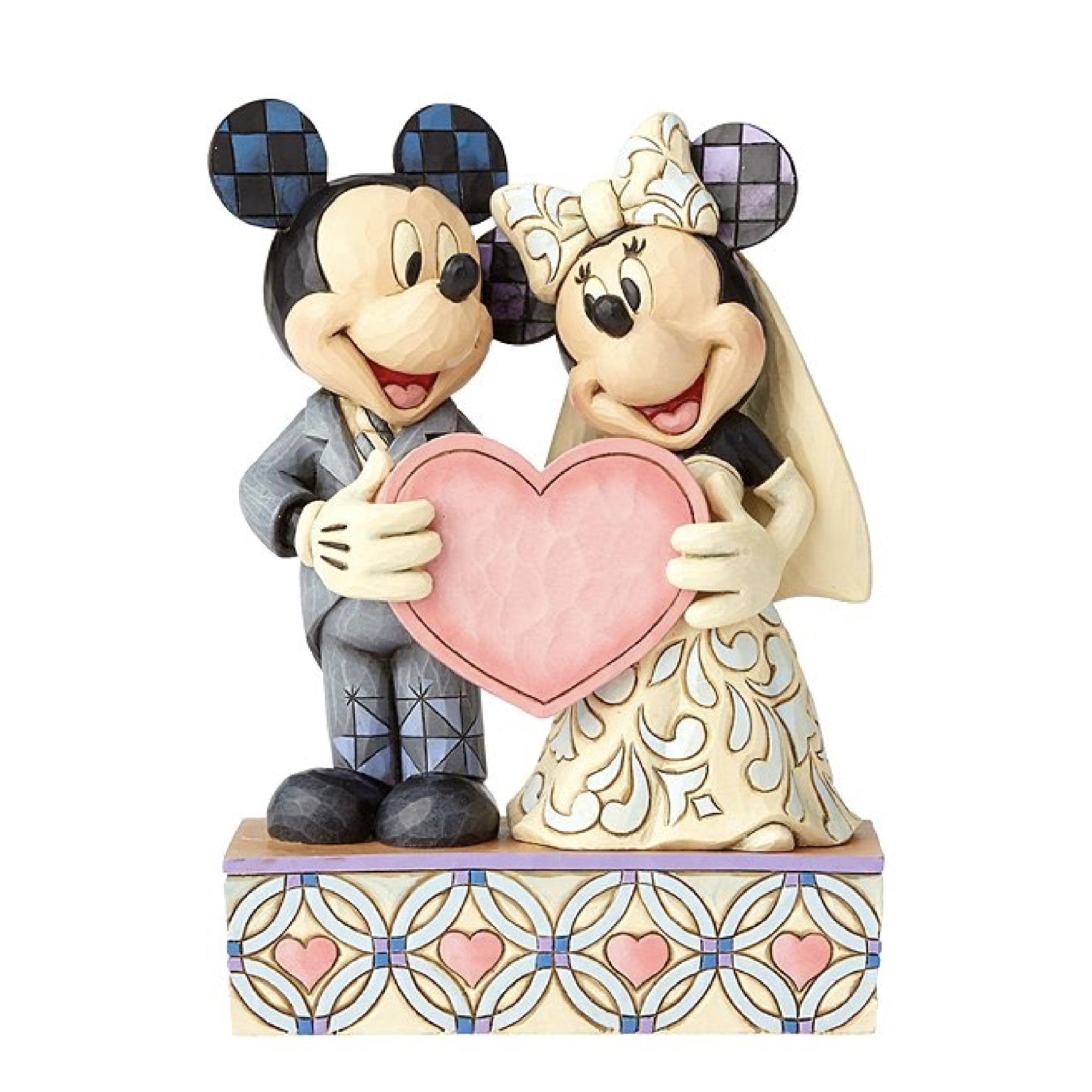 مجسمه ازدواج میکی موس و مینی موس