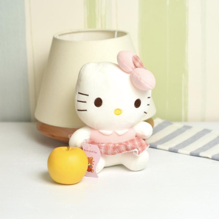 خرید عروسک کیتی با دامن چهارخونه