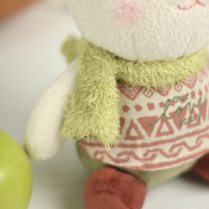 خرید عروسک خرگوش با شال گردن سبز